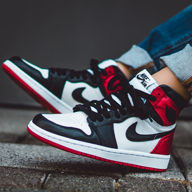 How to Spot a Fake Air Jordan 1 High Satin Black Toe